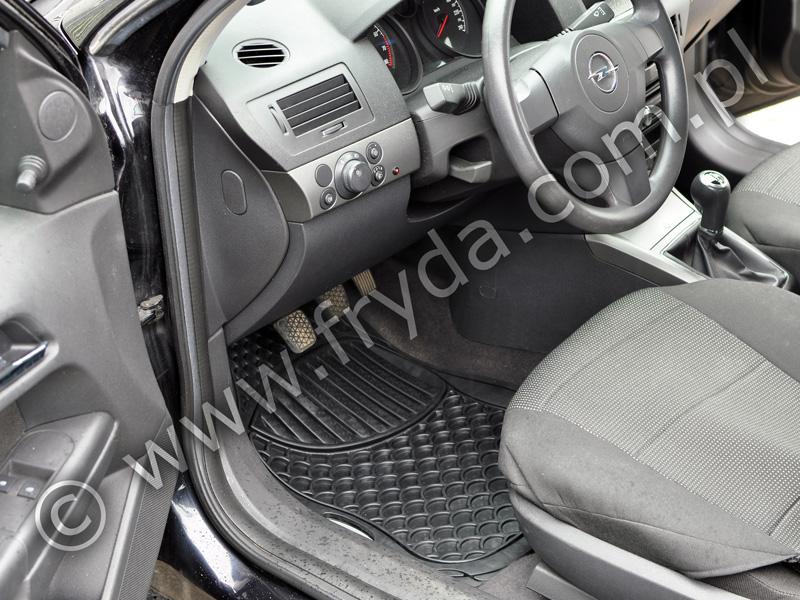 Dywaniki samochodowe Opel Astra – zobacz zdjęcia!